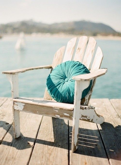 Weathered wood + blue! :) cozy.