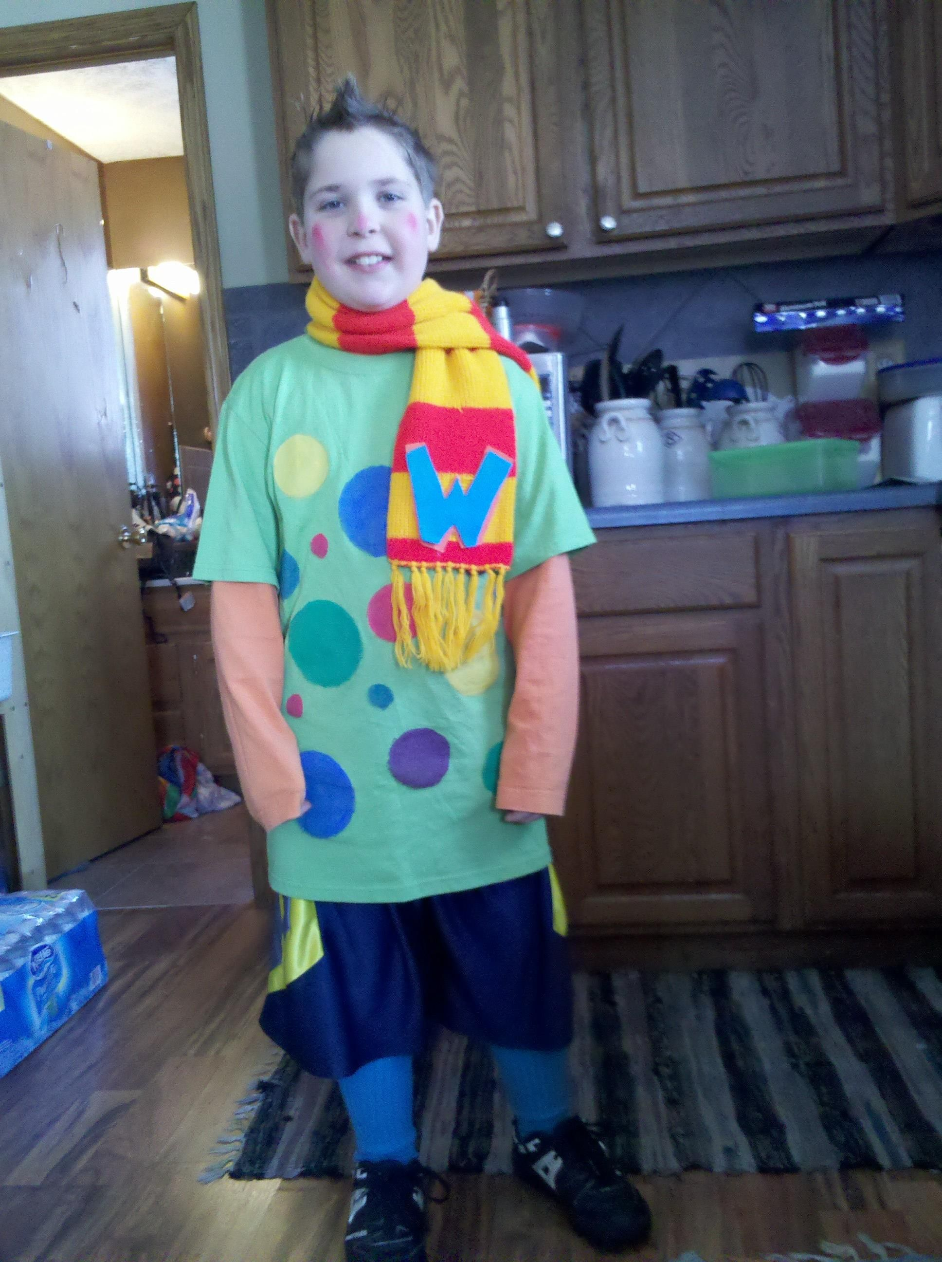 How to make your own grinch costume - Note Easy Dot Applique Like Scarf