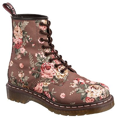 b6b79db409b5 Dr. Martens Women s 1460 W Victorian Flowers Boot Style  DMR11821260 ...