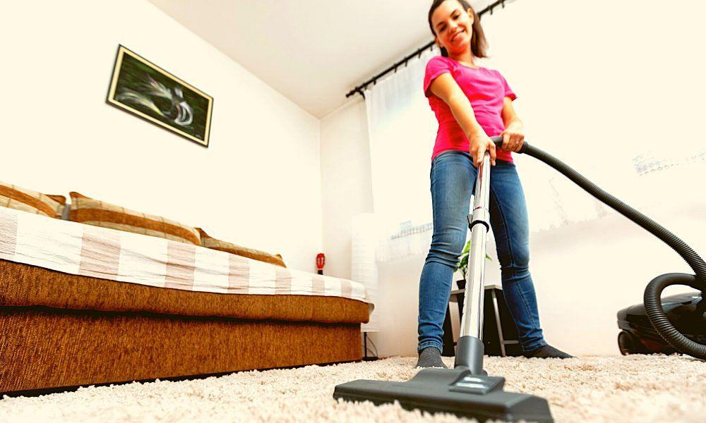 5 Best Vacuum Cleaners For Small Apartments Good Vacuum Cleaner Best Vacuum Small Apartments