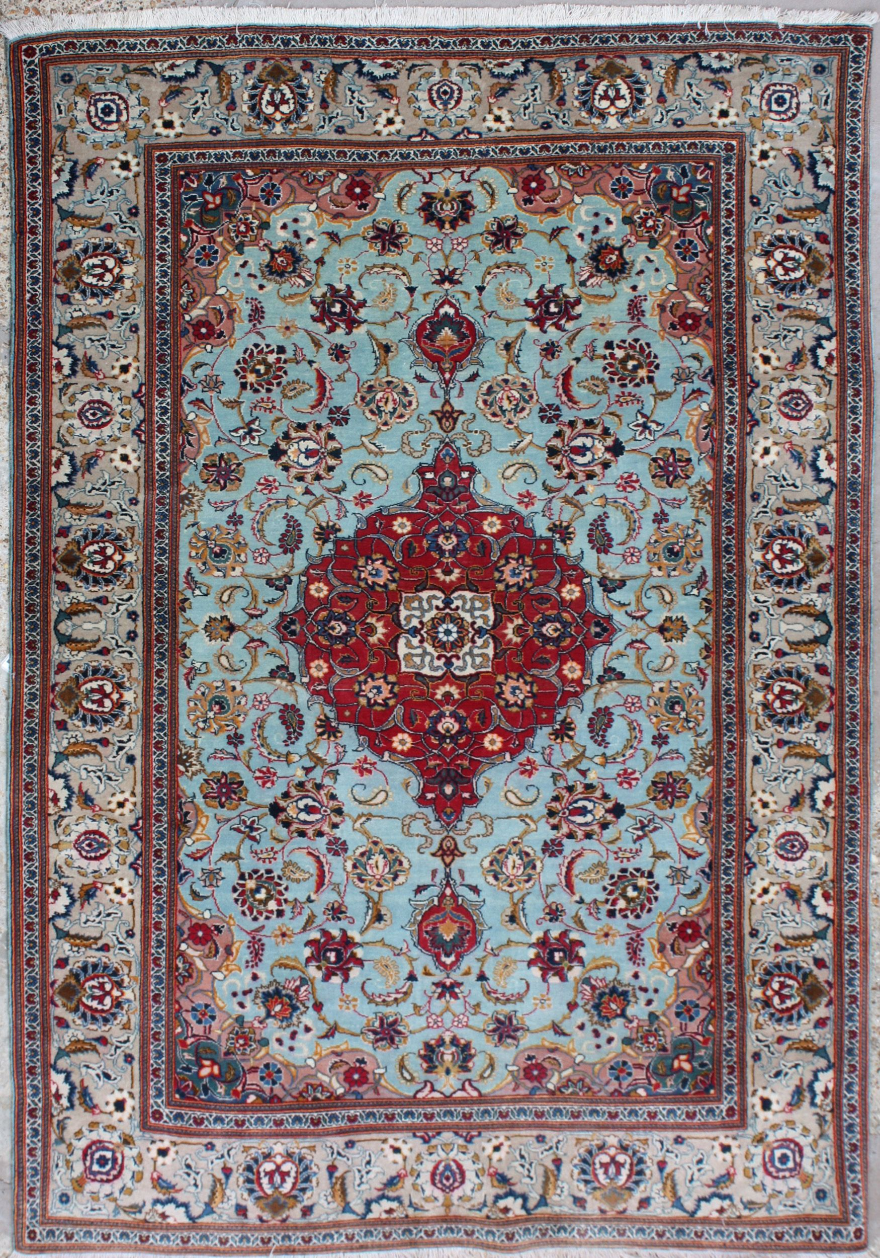 Gorgeous Persian Rug 55 To 60 Years Old 1500 Gbp