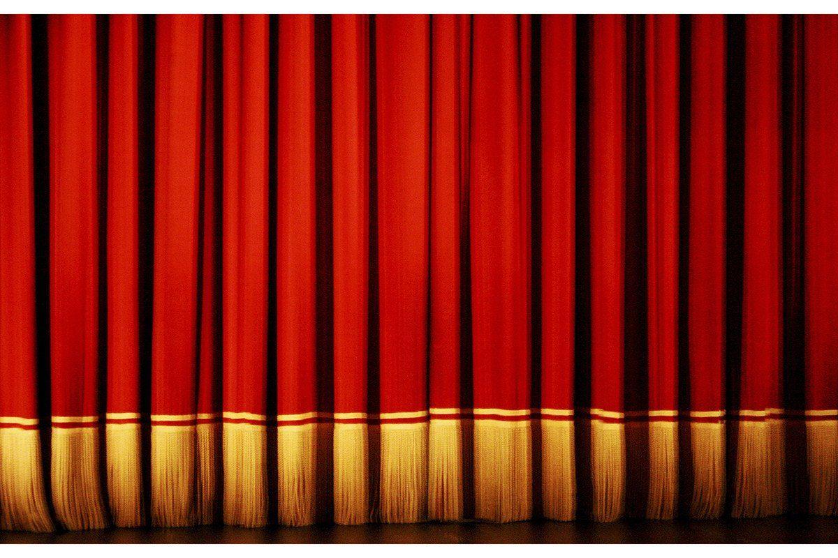 Resultado De Imagem Para Cortinas De Teatro Preta