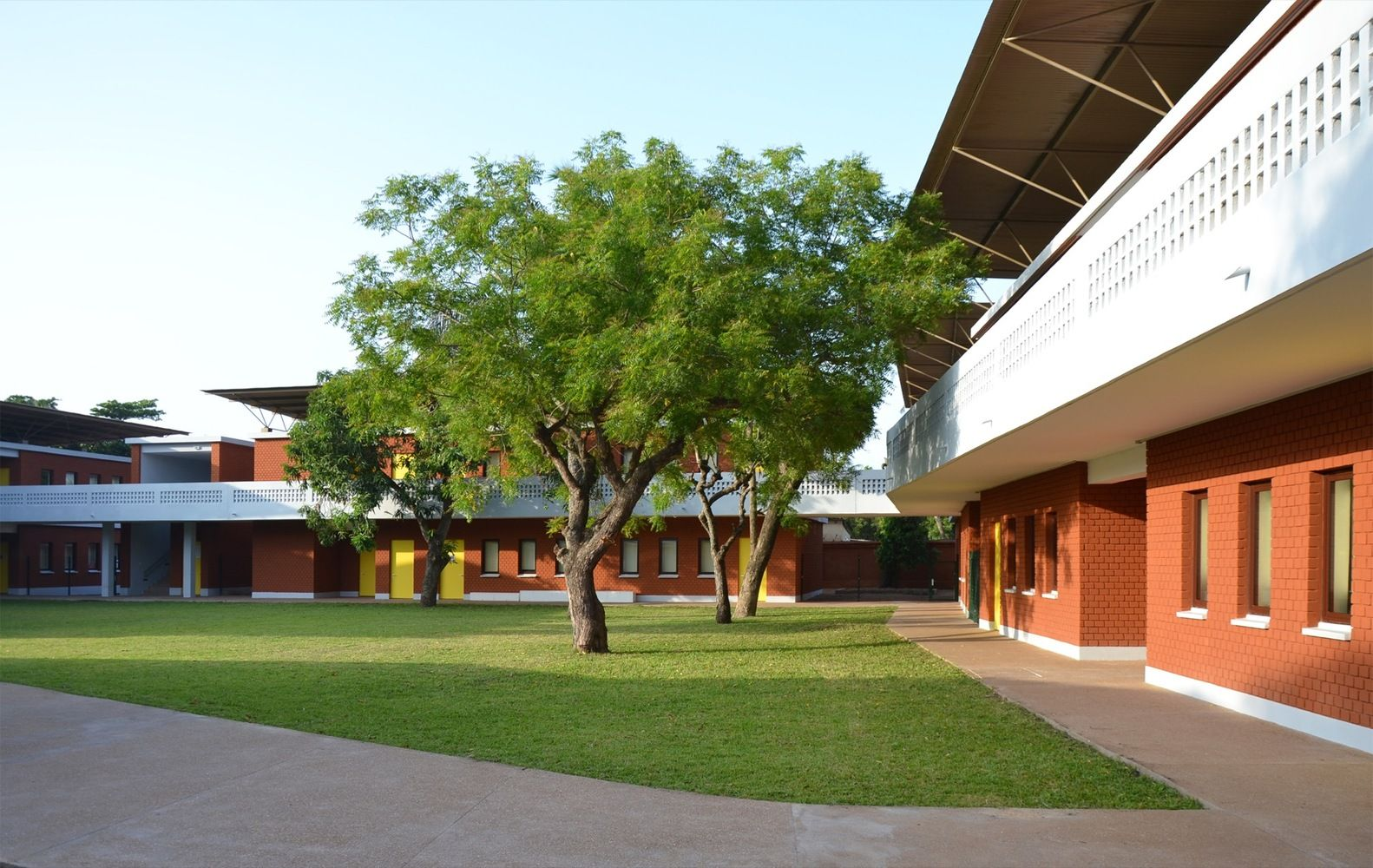 Gallery of French School in Lome / Segond-Guyon Architectes - 1