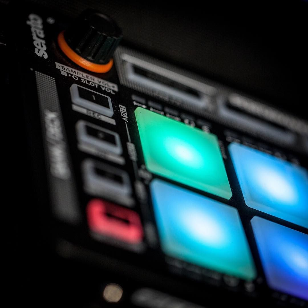 Do We Have Some Serato Player Over Here Dj Reloop Led Musicproducing Scratching Controller Djing Musicisourpassion Hering