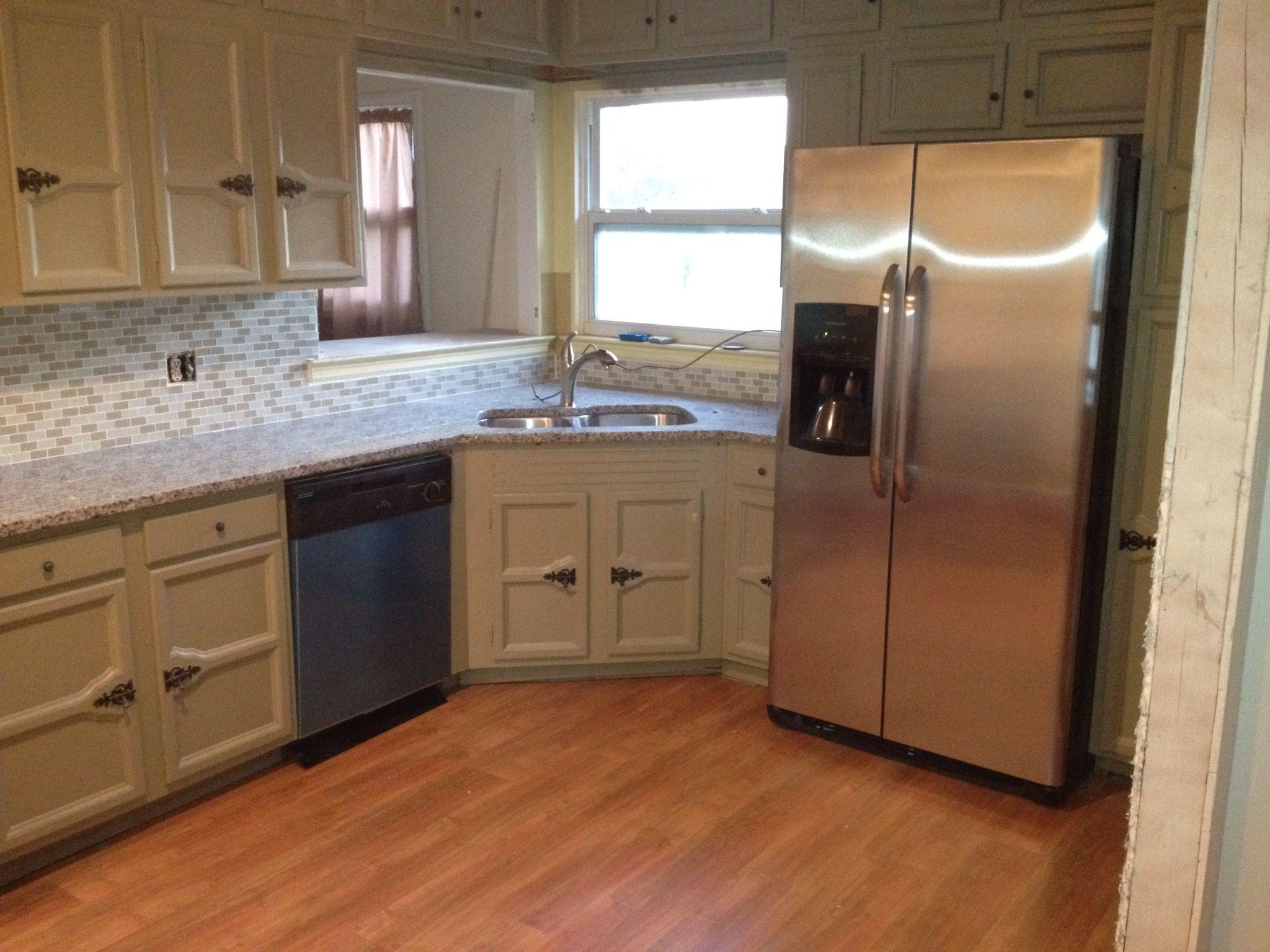 Kitchen Design Taupe And White Azul Platino Granite