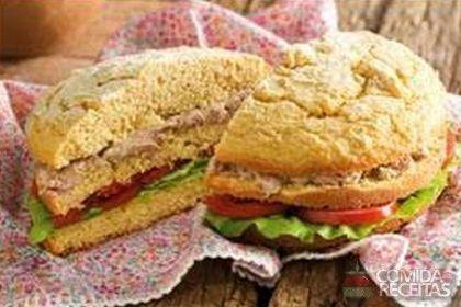 Receita de Pão de milho recheado especial em receitas de paes e lanches, veja essa e outras receitas aqui!