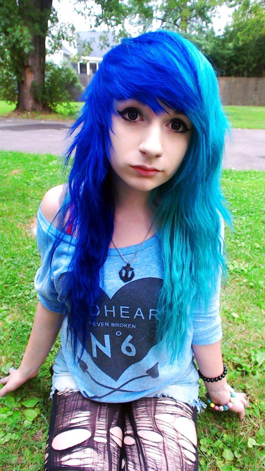 Dark And Light Blue Hair Emo Scene Hair Light Blue Hair Pretty
