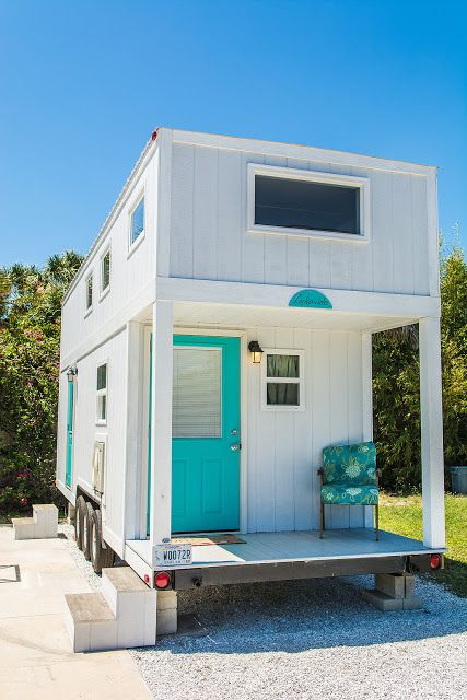 the sand dollar a modern tiny house on wheels available for rent at the tiny house siesta. Black Bedroom Furniture Sets. Home Design Ideas