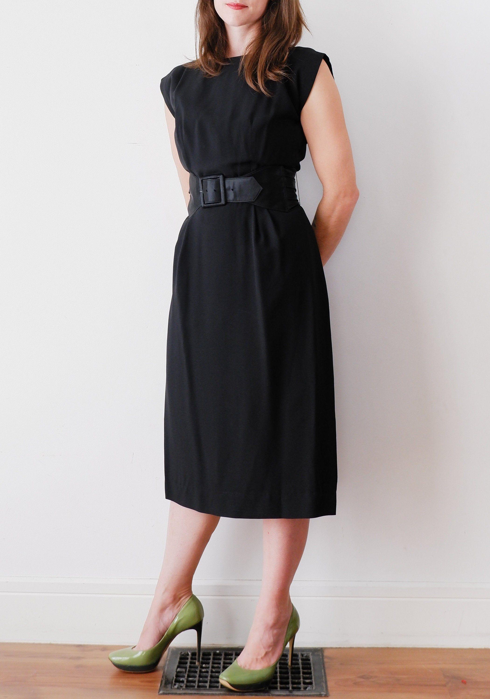 1960 S Black Midi Dress Vintage Cap Sleeve Pencil Dress Etsy Black Midi Dress Vintage Dresses Midi Dress [ 3000 x 2101 Pixel ]