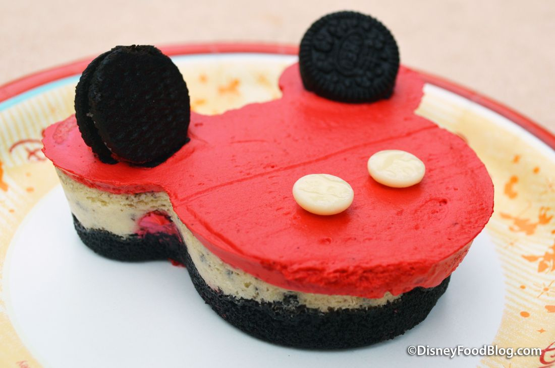 Review Mickey Oreo Cheesecake At Epcot S Sunshine Seasons The Disney Food Blog Oreo Cheesecake Disney Food Blog Disney Food