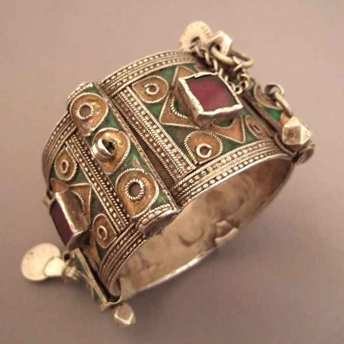 This old Moroccan Berber cuff was worn by the bride and, as a part of their personal dowry, they remained to them during all their life… this bracelet dates from first half of the 20th century...