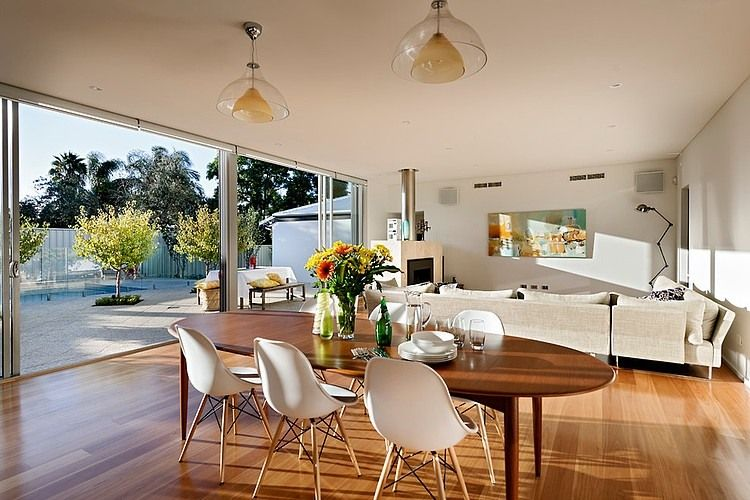 Open floor plan house interior design located in sunny for Open plan house designs australia