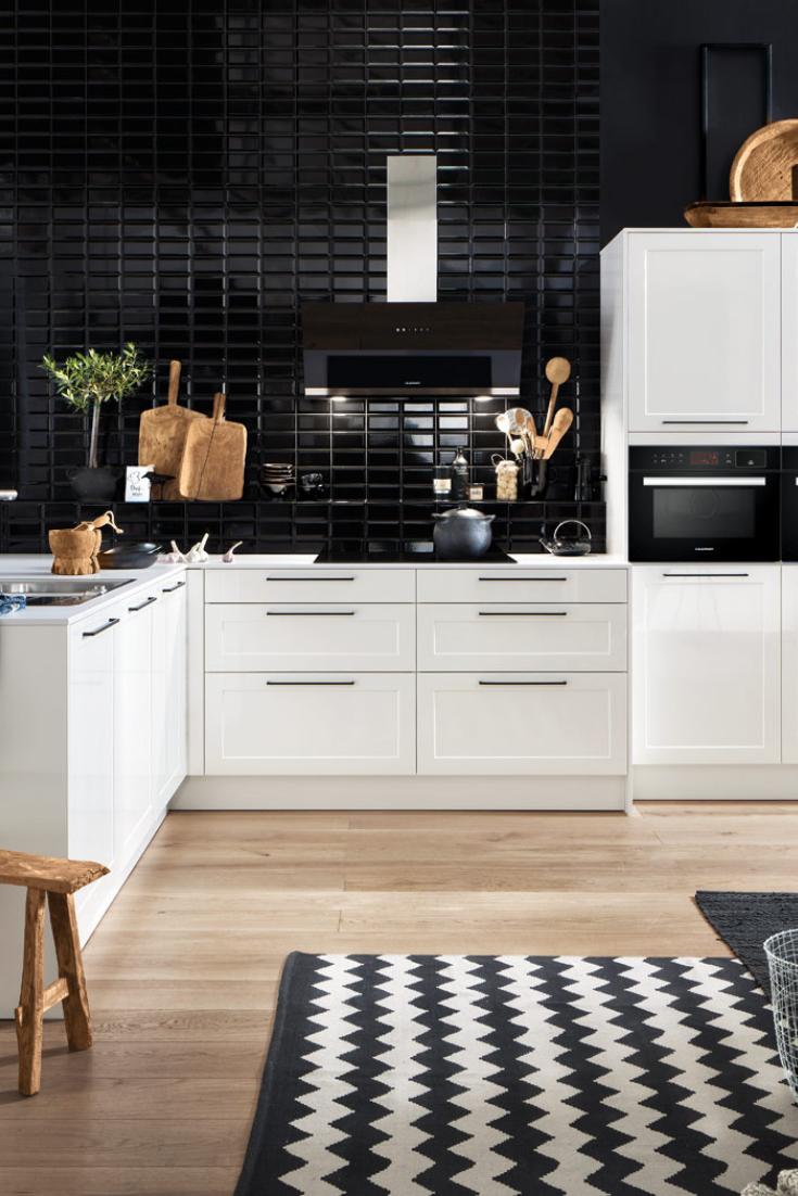 Kleinekuche Kuchen In L Form Vorteile Nachteile Beispiele Und Bilder Fur Moderne Eckkuchen In 2020 Kitchen Flooring Kitchen Home