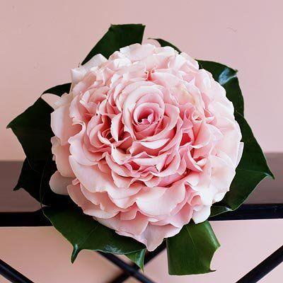 dramatic rose bouquet
