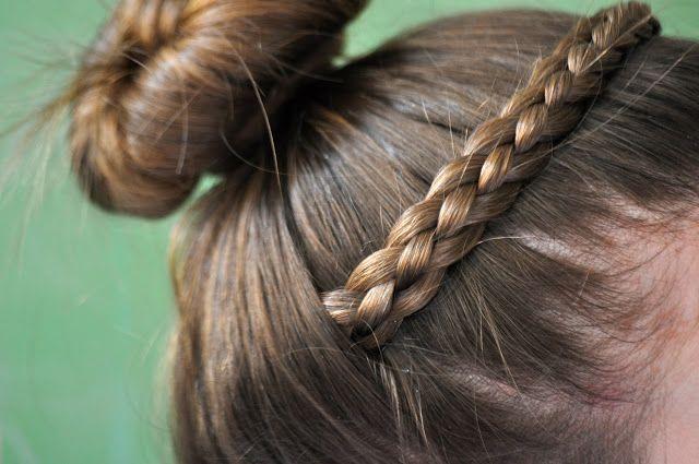 "tutorial for a ""disappearing"" heidi braid"