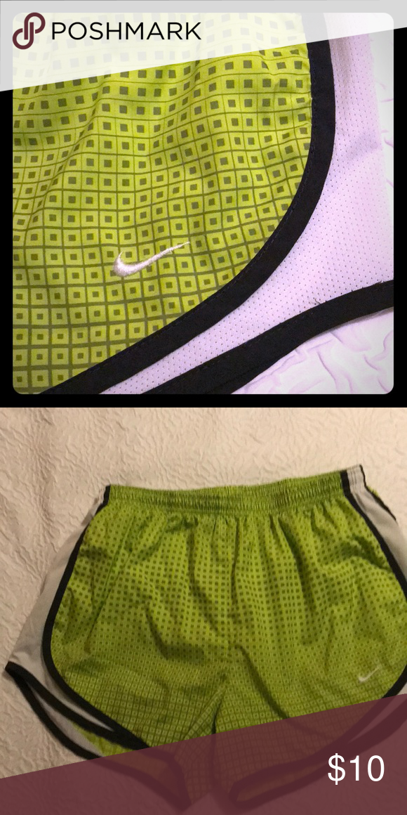 Nike Dri fit Women's Shorts size M 8 10 Great pair of Nike