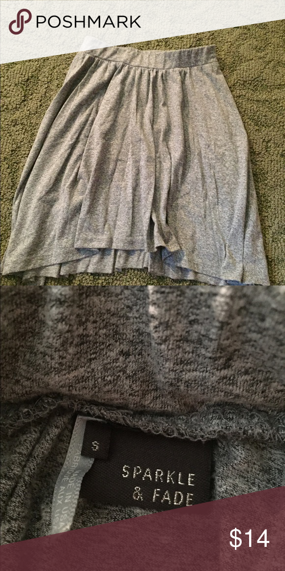 Urban outfitters skater skirt Great condition! Worn 3x gray t shirt material size small fits very cute not too short or too long :) Urban Outfitters Skirts Circle & Skater