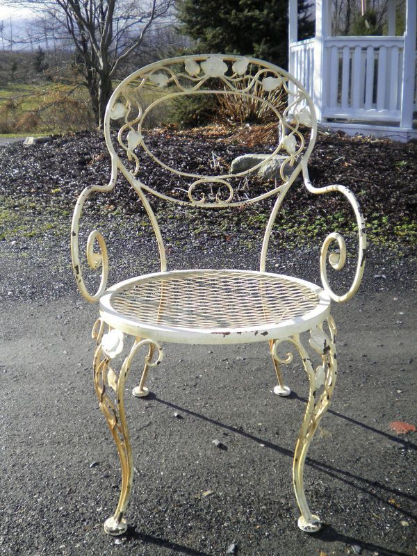 Woodard Chantilly Rose Vintage Outdoor Furniture