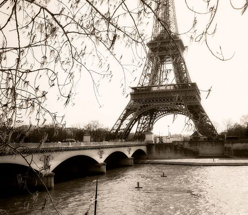 Getting an original perspective of the Eiffel Tower is something that is easier said that done. It's one of the most photographed structures in the world and almost everyone who has been to Paris has a photo of the Eiffel tower kicking around somewhere.