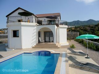 Cyprus - 8persons- 700m to the beach - private pool - 700e/per week in sept.