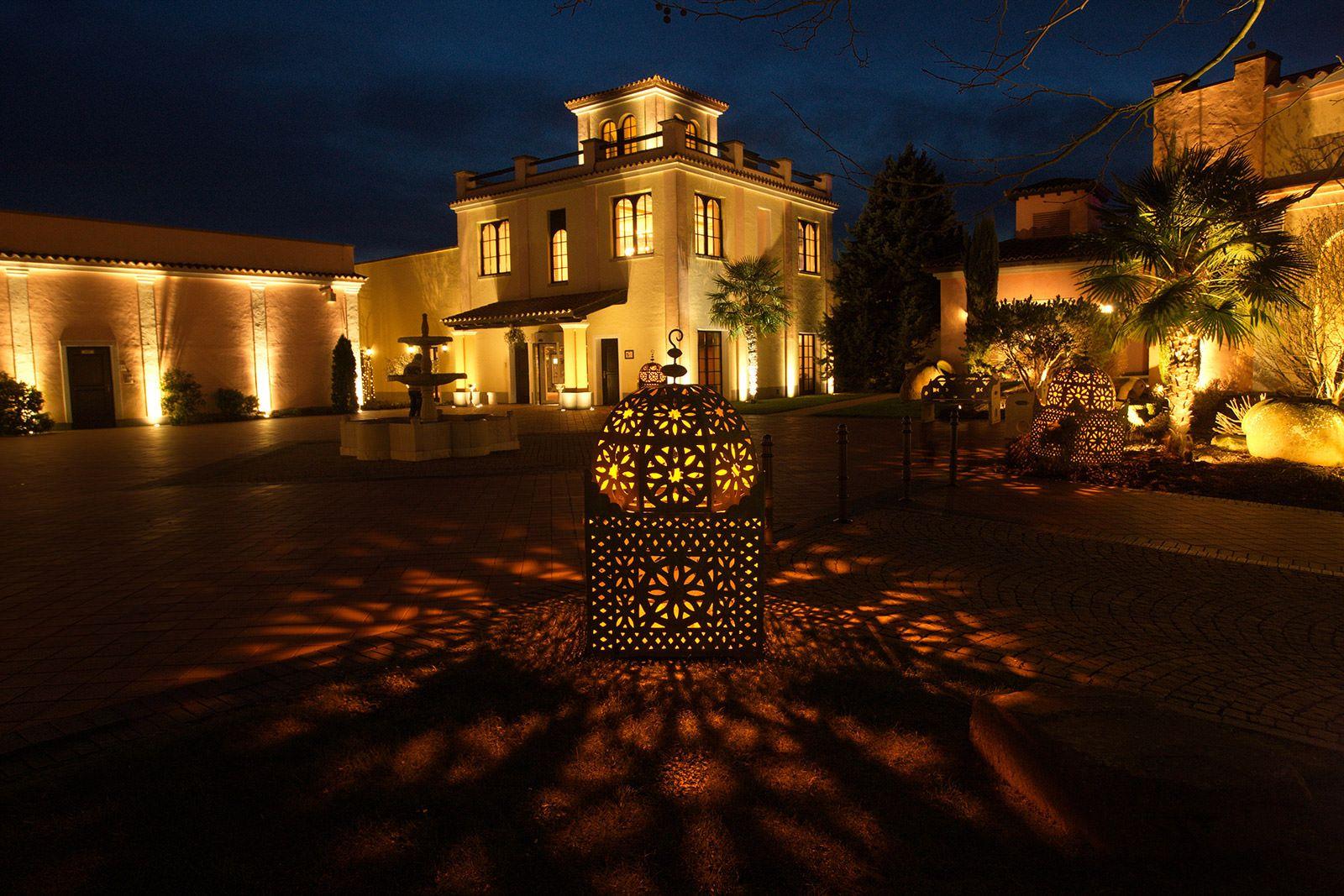 Aussenbeleuchtung Fur Das Mediterana Gartenbeleuchtung Aussenbeleuchtung Beleuchtung