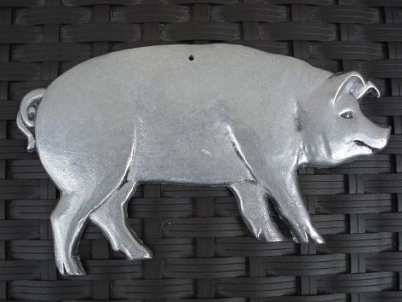 Vintage Metal-ware Pig Plaque for Wall Pig Decor by HanNoGram