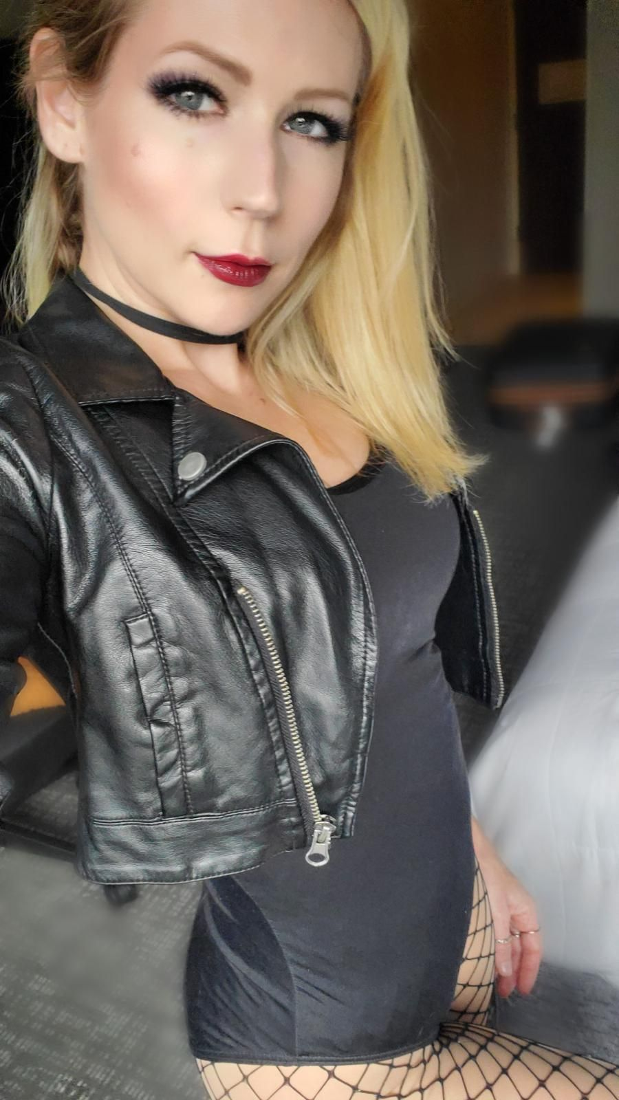 [self] Victoria Paege as Black Canary (DC Comics) cosplay