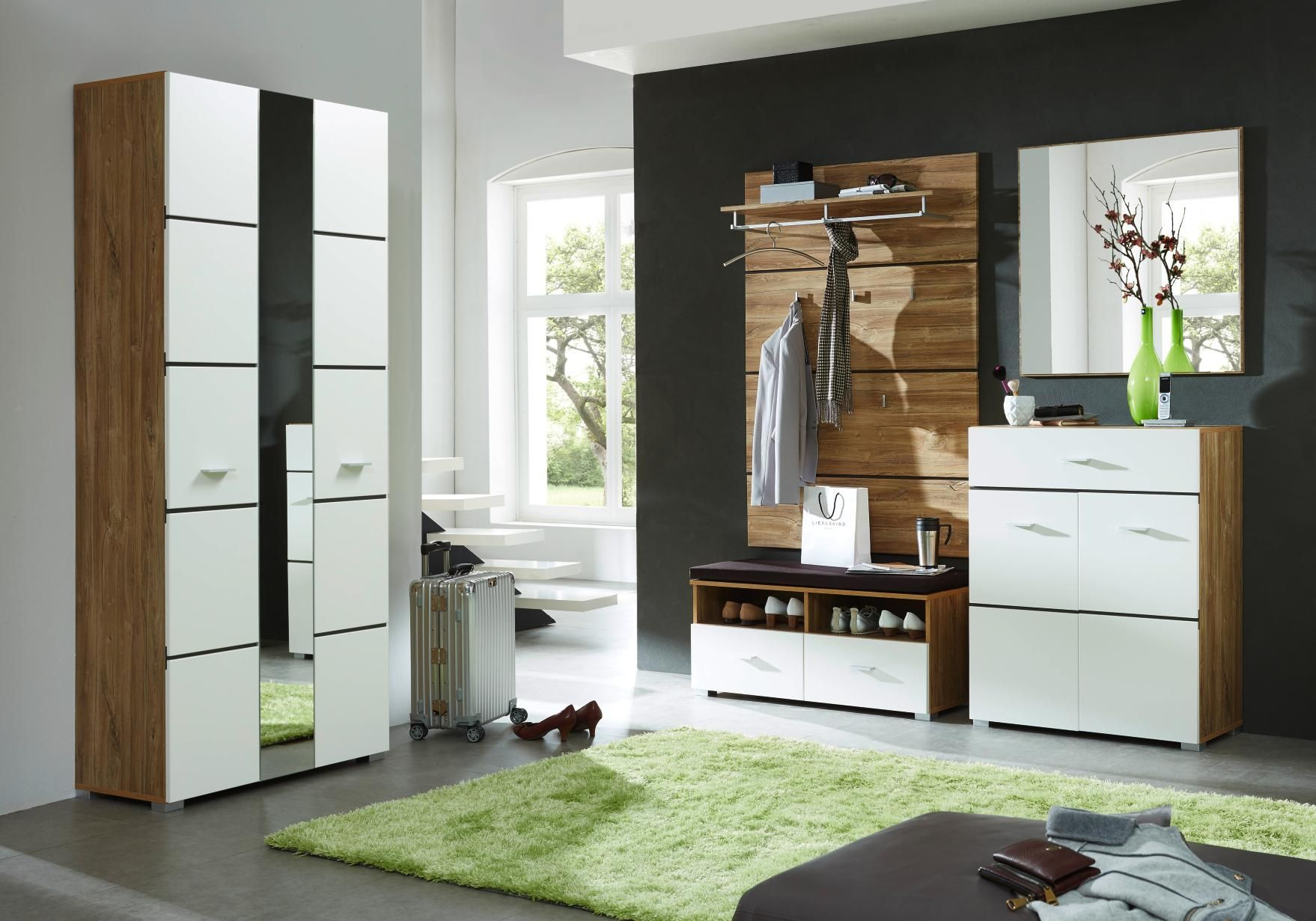 garderobe mit viel stauraum von voleo vorzimmer pinterest. Black Bedroom Furniture Sets. Home Design Ideas