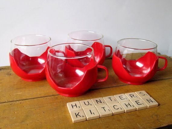 Plastic fantastic vintage teacups, heat proof glass in plastic cup holder, 1970s kitchen door HuntersKitchen, €12.99