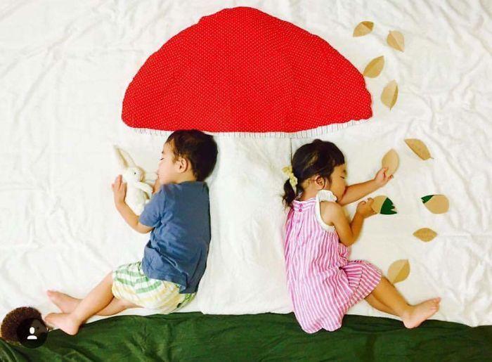 Mãe de gêmeos, Ayumi cria aventura para os filhos durante a soneca - Foto…