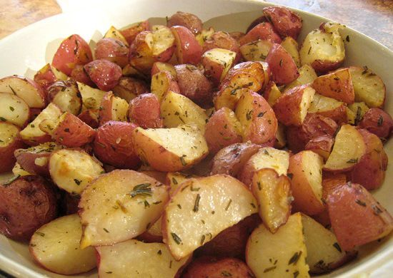 COMO COCINAR PAPAS ROJAS. http://mrfoodiesays.com/how-to-cook-red ...