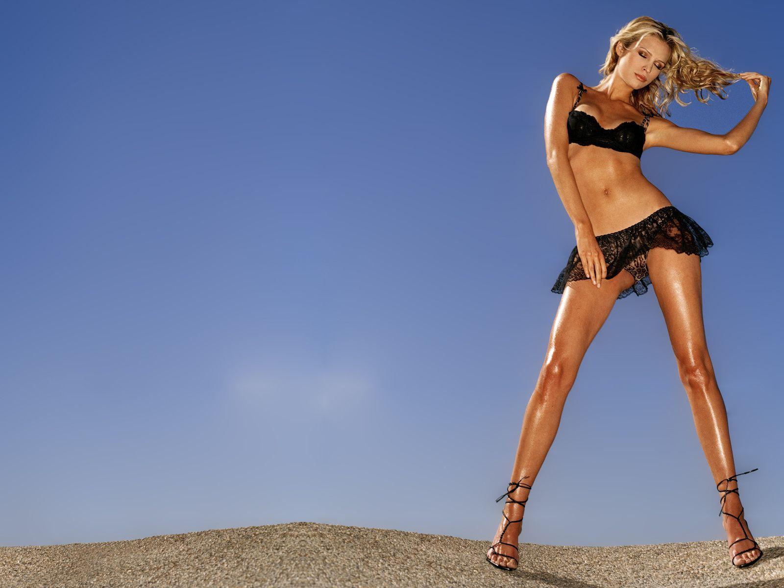 Фото ног блондинок фото 393-666