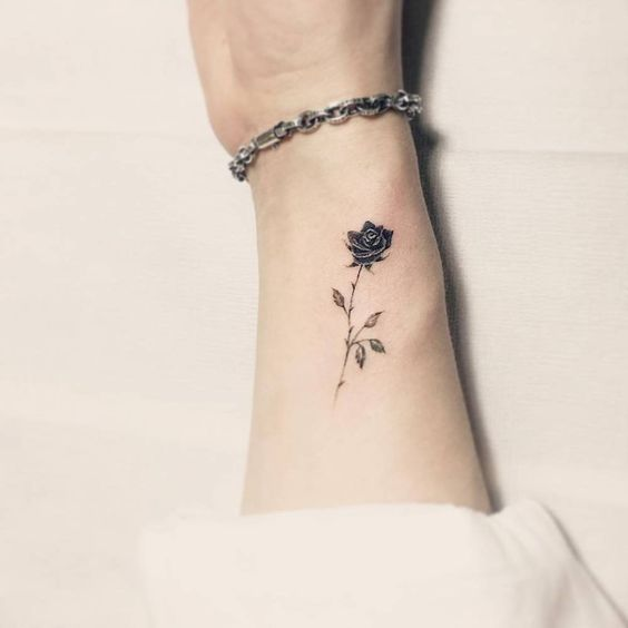 Tatuajes De Rosas Negras Tatuajes Que Inspiran Mujeres Tatuajes