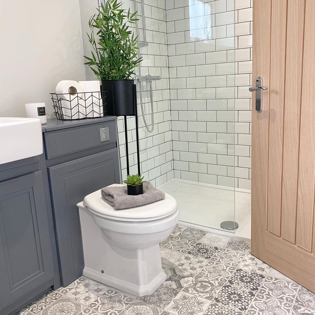 Danielle On Instagram F R I D A Y Good Morning All You Lovely Lot And Wow Thank You So Mu Geometric Tiles Bathroom Good Morning All Tile Bathroom