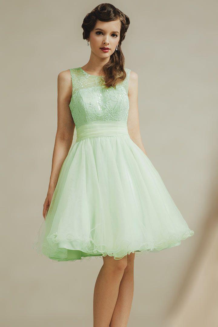 e0f746953068 Robe de soirée délicate de couleur vert pastel en tulle