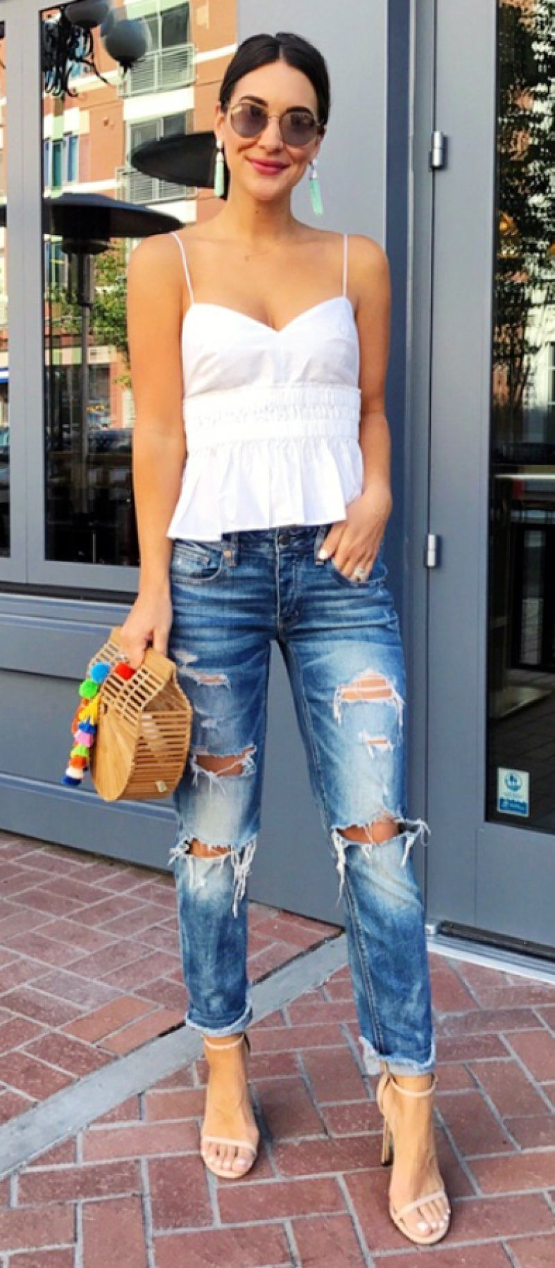 Summer Dresses Casual Day White Tank Destroyed Jeans In 2020 Casual Dress Outfits Boyfriend Jeans Basic Summer Outfits