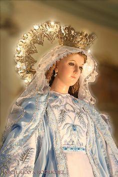 Maria met verlichtte krans