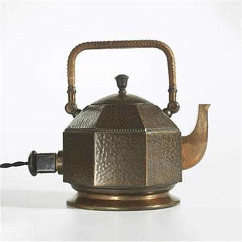 objets bouilloire lectrique pour le th peter behrens pour aeg 1909 design allemand m tal. Black Bedroom Furniture Sets. Home Design Ideas