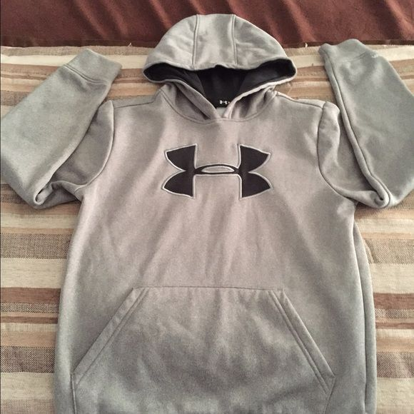 Under Armour Hoodie Youth Under Armour Hoodie Under Armour Tops Sweatshirts & Hoodies
