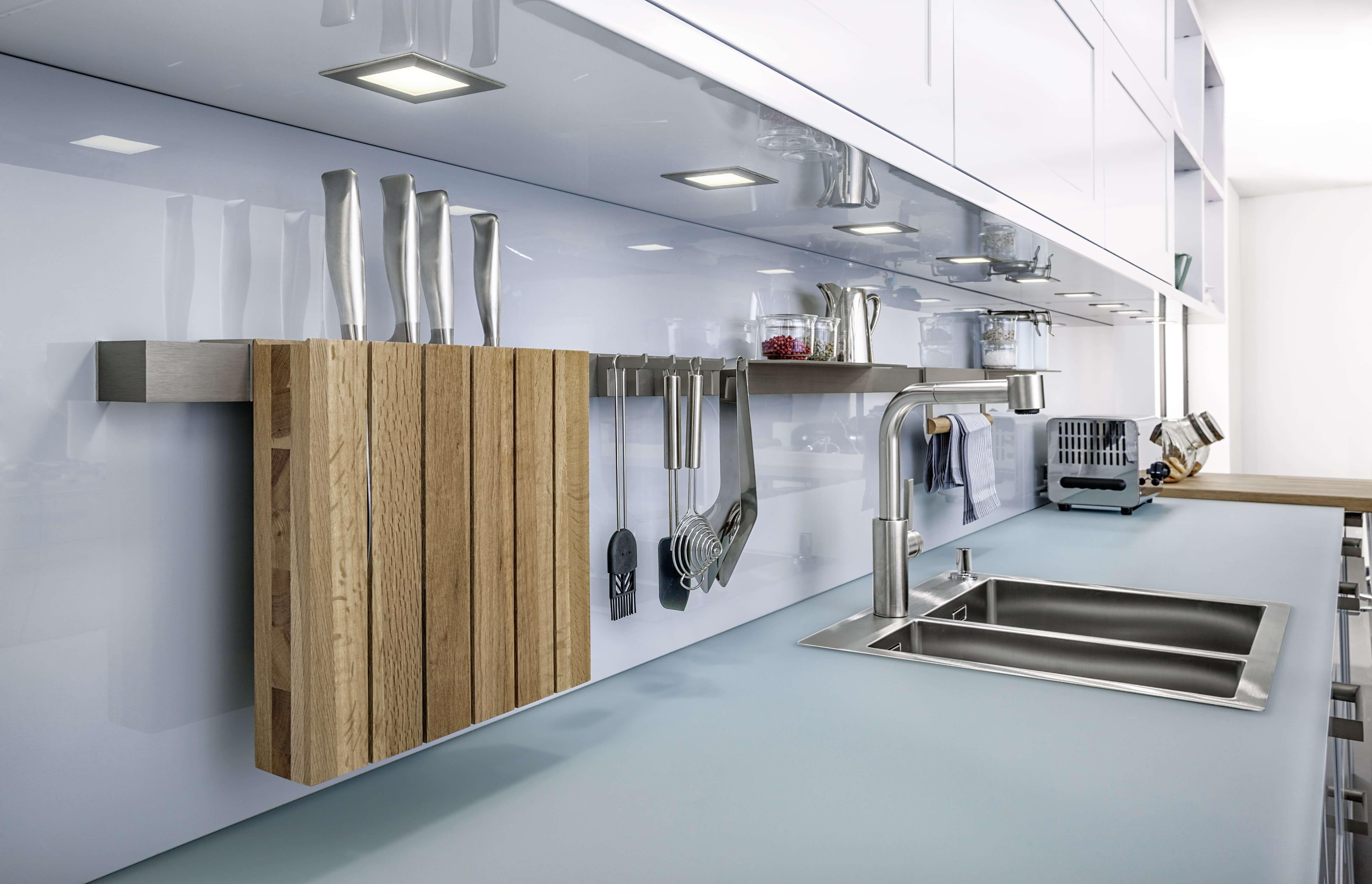 Spritzschutz beim Herd: Ideen für die Gestaltung der Küchenrückwand ...