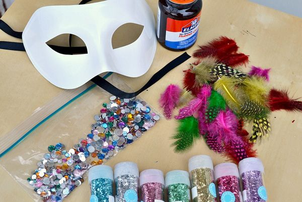 Plain Masquerade Masks To Decorate 1000 Images About Crafts For School On Pinterest  Spooky House
