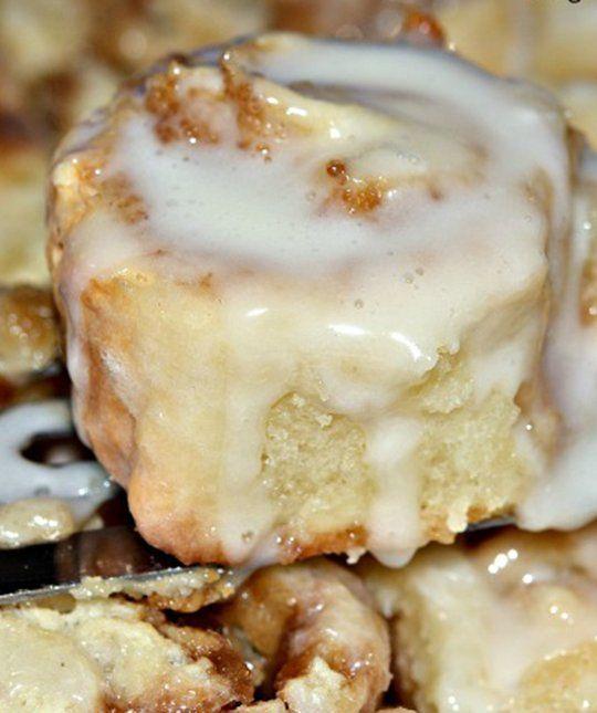 25 Crock Pot Breakfast Recipes: 25 Delicious Slow Cooker Dessert Recipes