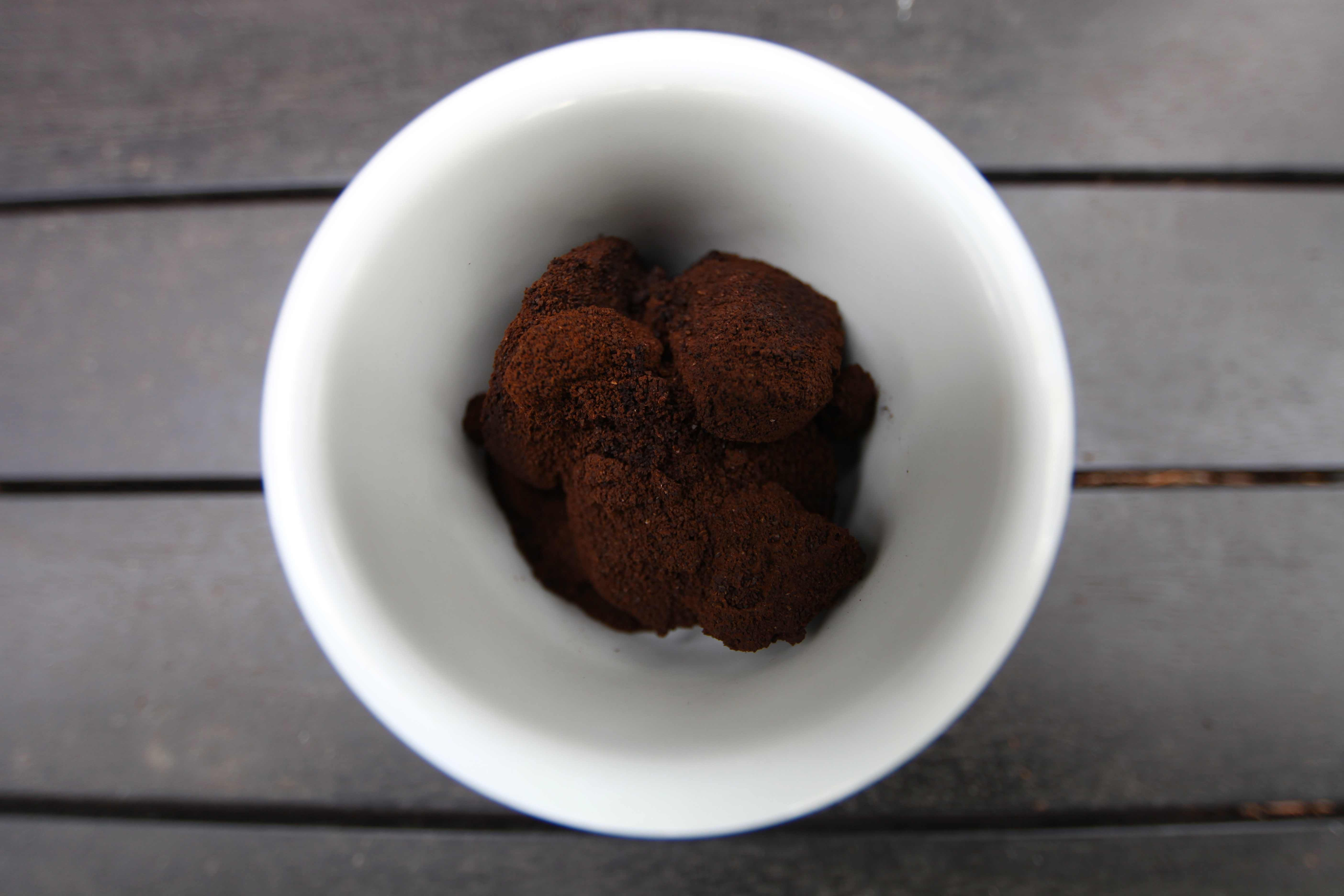 25 wondrous things to do with your coffee grounds - Are coffee grounds good for your garden ...
