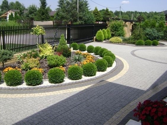 30 the key to successful modern front yard landscaping 18 | maanitech.com #frontyard #frontyardlandscaping #yardlandscapingideas #modernfrontyard