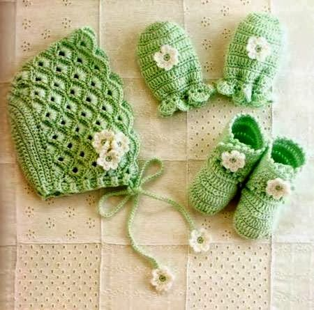 Ivelise Hand Made: casquillo y botines para los bebés en mitones ...