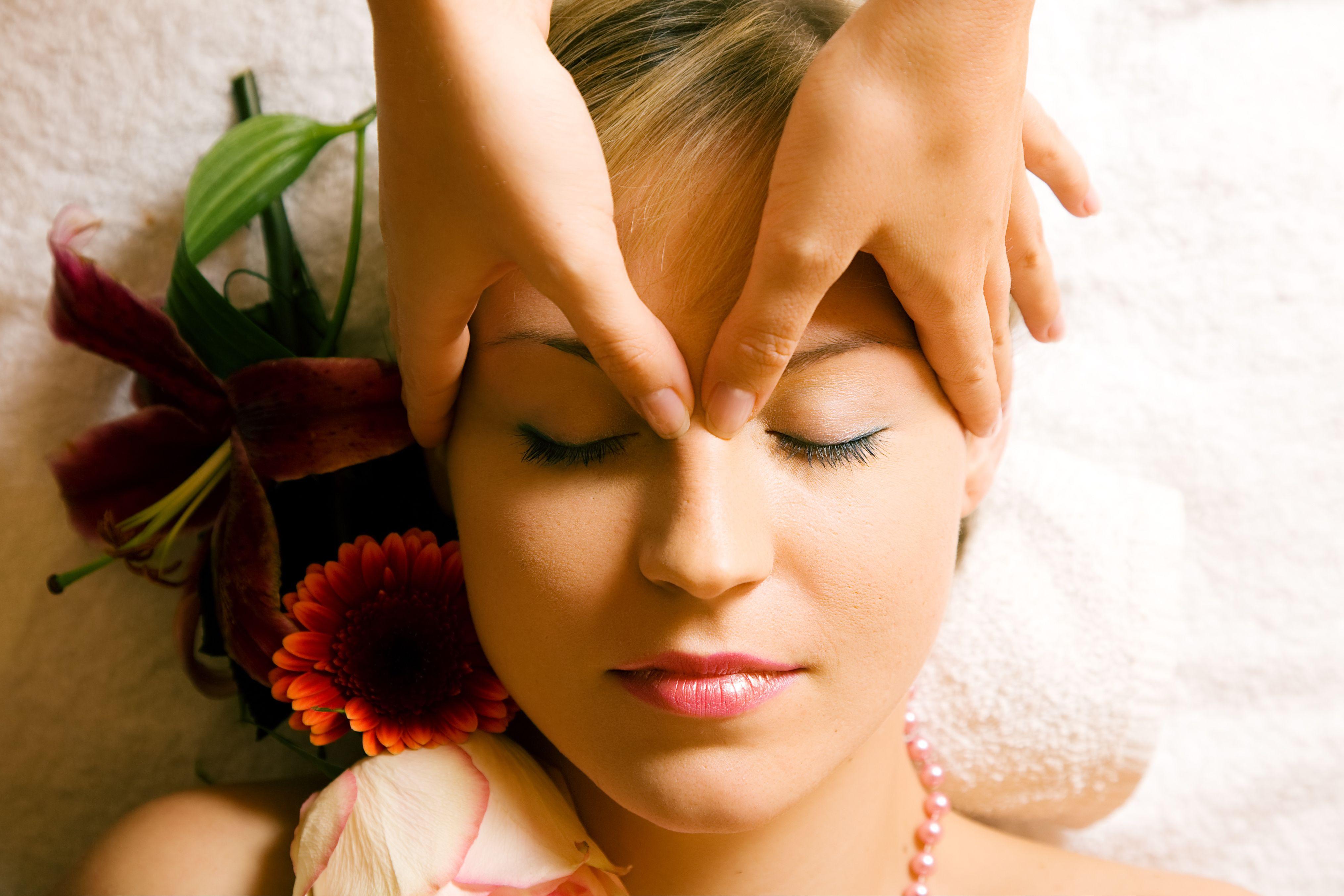 Beauty Im Trihotel Am Schweizer Wald Massage Therapy Shiatsu Massage Ayurvedic Massage
