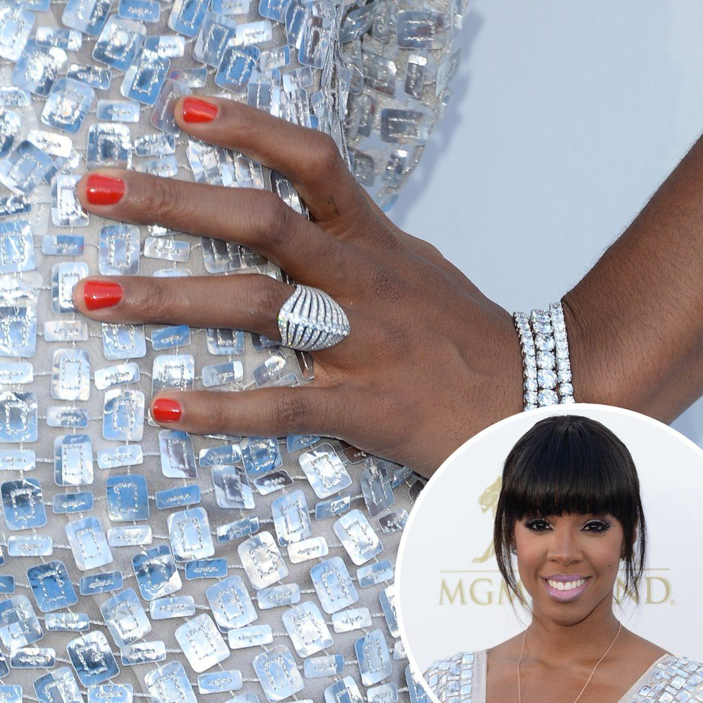 Zoom In on the Manicures From the AMAs and More! | Manicure