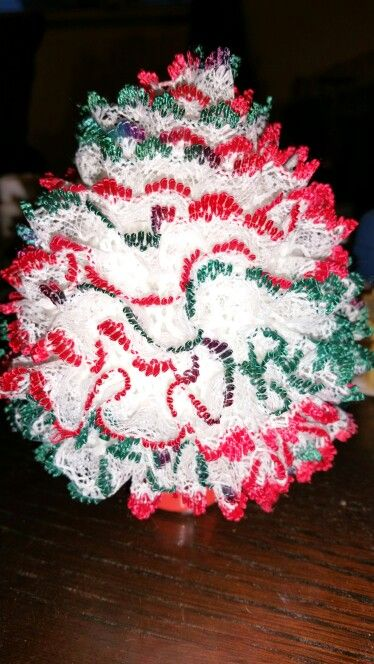 Lacy knitted Xmas tree