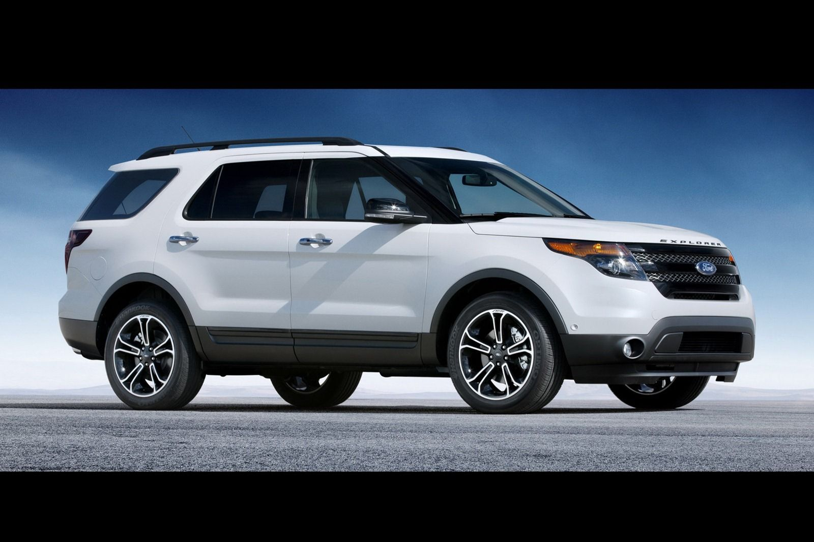 2014 Ford Explorer Side View