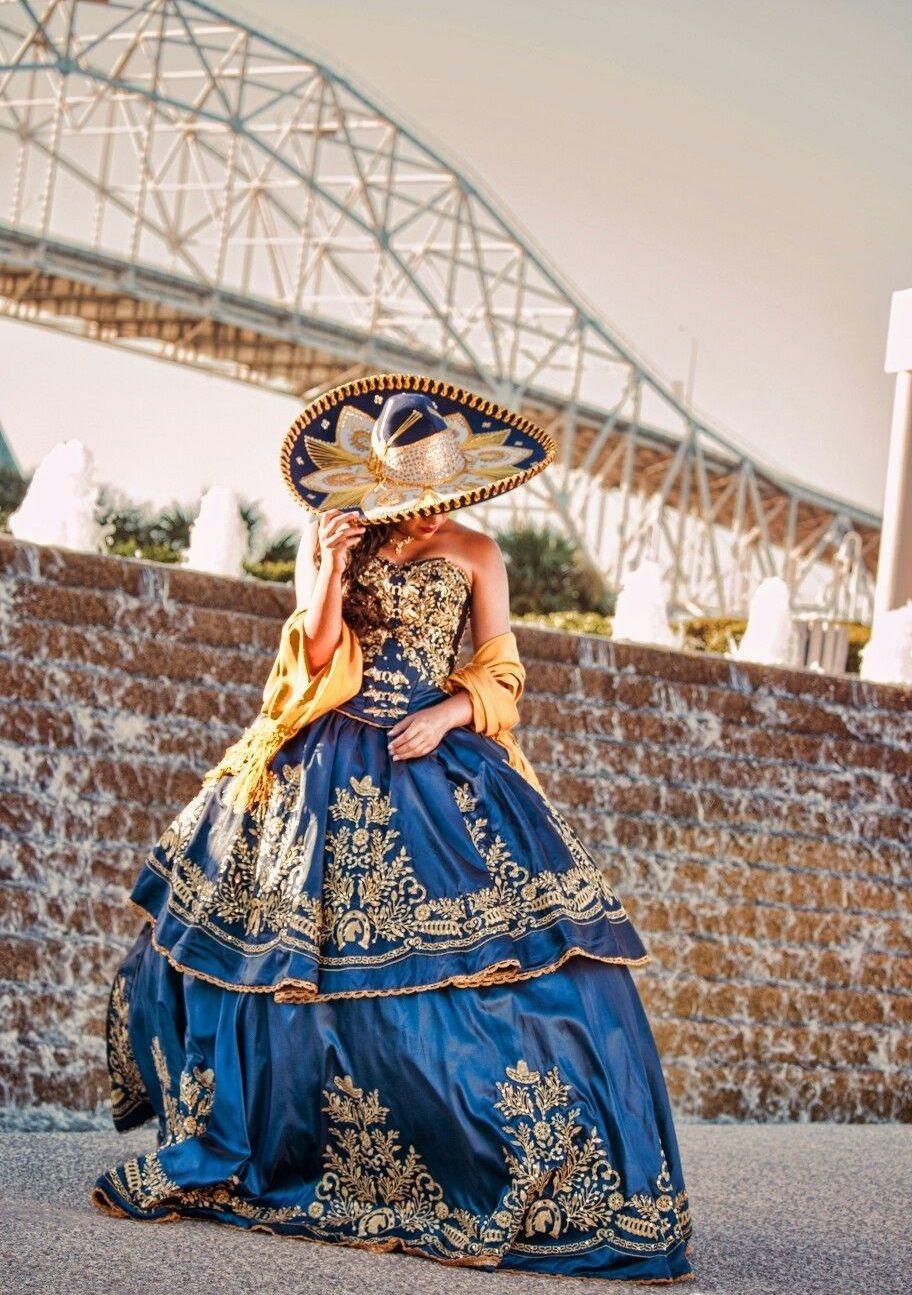 19 Ideas Para Hacer De Tus Xv Anos Una Celebracion De Tematica Mexicana Charro Quinceanera Dresses Mexican Quinceanera Dresses Mexican Dresses [ 1295 x 912 Pixel ]